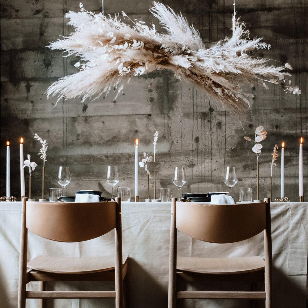 weddingplaner-schweiz_minimalistic-wedding-tablesetting