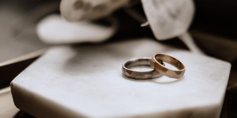 weddingplaner-schweiz_minimalistische-hochzeit-ringe