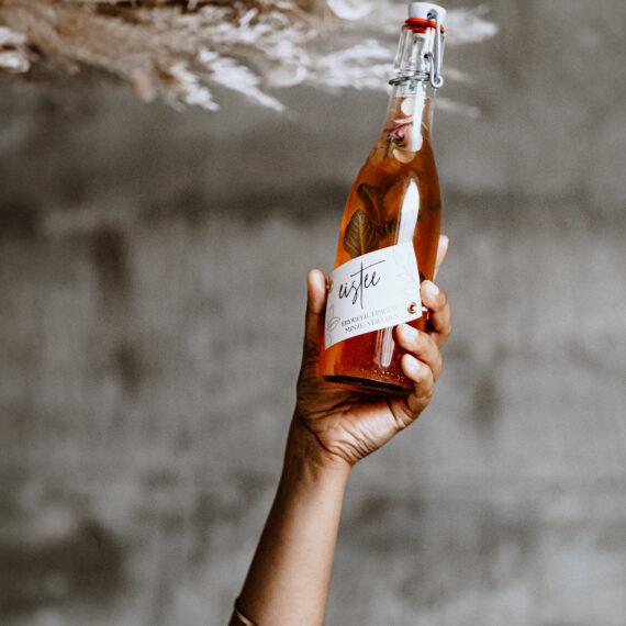 weddingplanner-schweiz_minimalistische-hochzeit-drinks-eistee