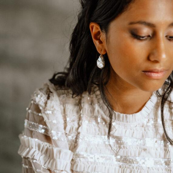 weddingplanner-switzerland_minimalistische-hochzeit-bride-earring